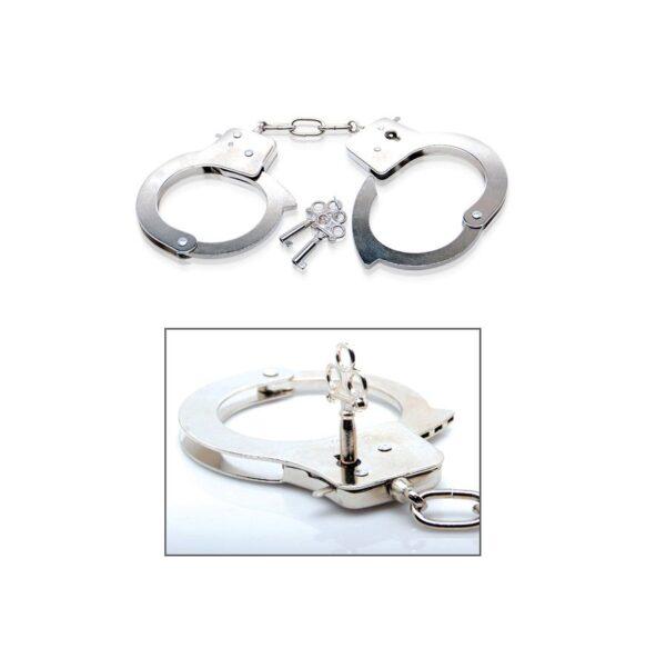Metallist käerauad koos kahe võtmega